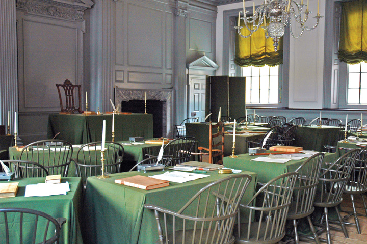Color photo of the Assembly Room, in which the United States Declaration of Independence and Constitution were drafted and signed, at Independence Hall in Philadelphia, Pennsylvania.