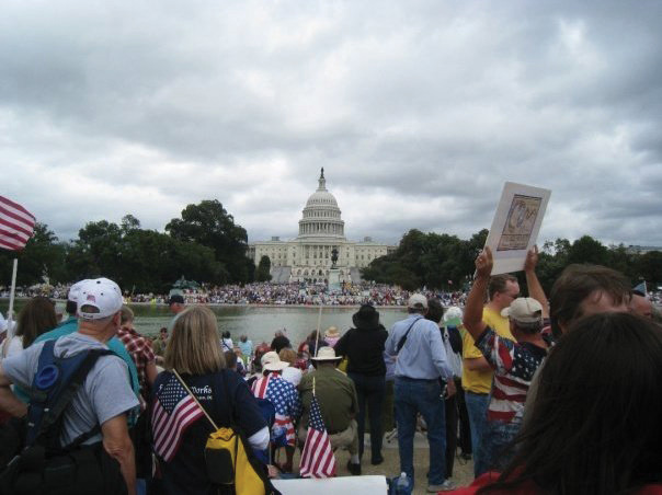 Photo of Tea Party supporters on the Washington Mall.