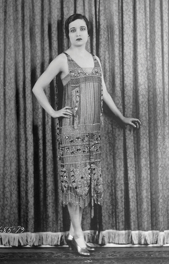 the dark side of the roaring twenties in the united states The bright side and the dark side of the 1920's the 1920's, or the roaring twenties, were a time of change in the united states the change spread from positive, like.